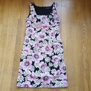 Lily floral sleeveless shift dress M